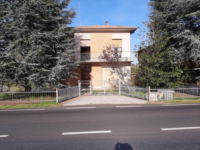 Vendita Mondolfo  - Mq. 230 Bagni.1 Locali.5 - euro 165000