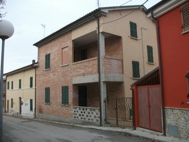 Vendita Monte porzio  - Mq. 150 Bagni.2 Locali.5 - euro 138000