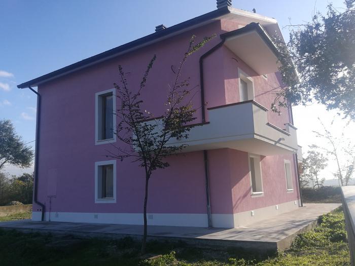 Vendita San costanzo  - Mq. 230 Bagni.1 Locali.1 - 230000