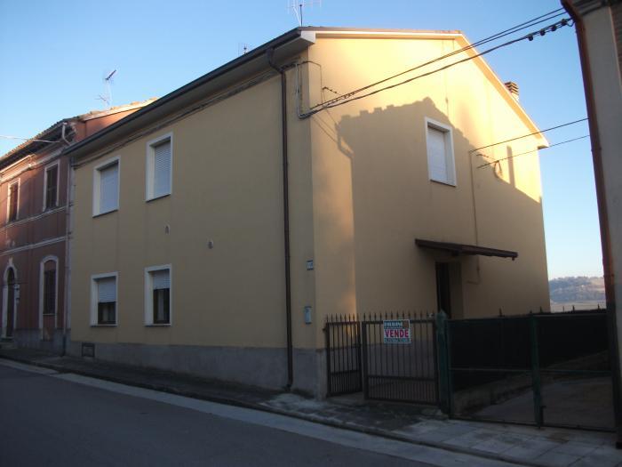 Vendita Monte porzio  - Mq. 180 Bagni.2 Locali.5 - euro 99000