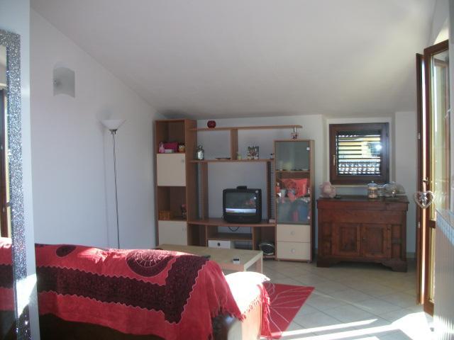 Vendita Monte porzio  - Mq. 75 Bagni.1 Locali.3 - euro 125000