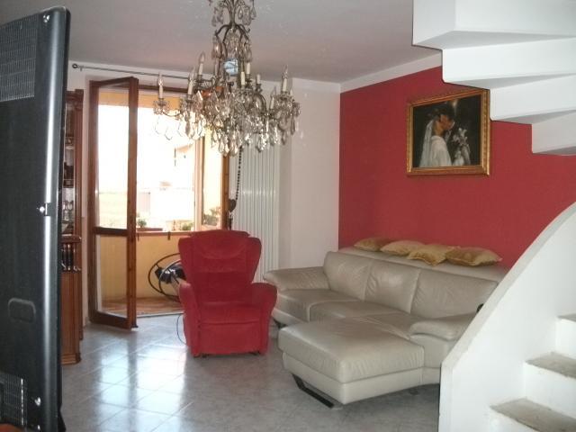 Vendita Mondolfo  - Mq. 100 Bagni.3 Locali.6 - 240000