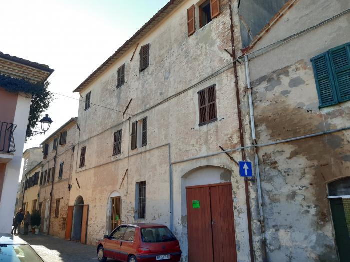 Vendita Mondolfo  - Mq. 155 Bagni.2 Locali.8 - euro 95000