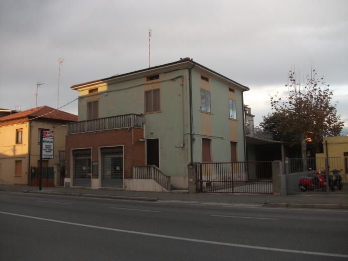 Vendita Mondolfo  - Mq. 190 Bagni.2 Locali.6 - euro 275000