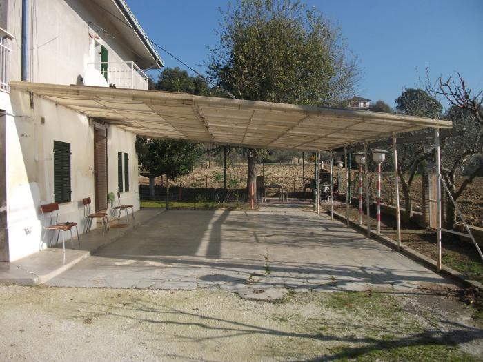 Vendita Trecastelli  - Mq. 170 Bagni.3 Locali.4 - 175000
