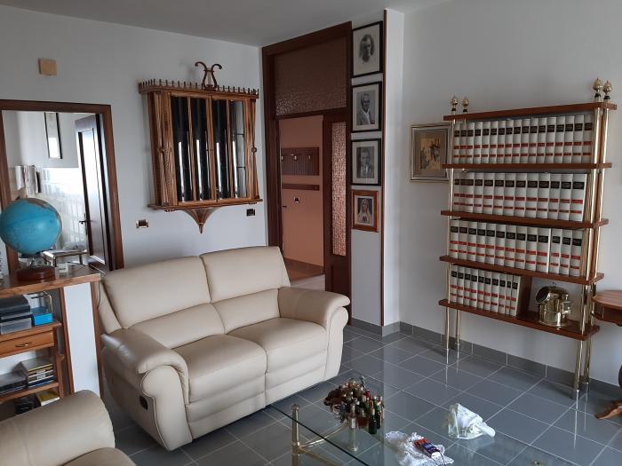 Vendita Mondolfo  - Mq. 90 Bagni.2 Locali.5 - euro 160000