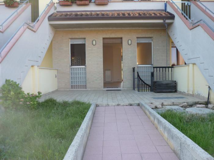 Vendita Trecastelli  - Mq. 54 Bagni. Locali. - 105000