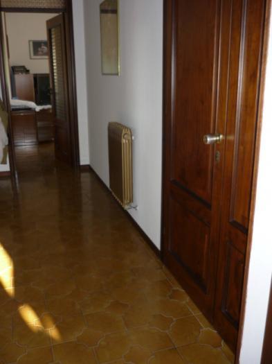 Affitto   - Mq. 130 Bagni. Locali. - euro 600