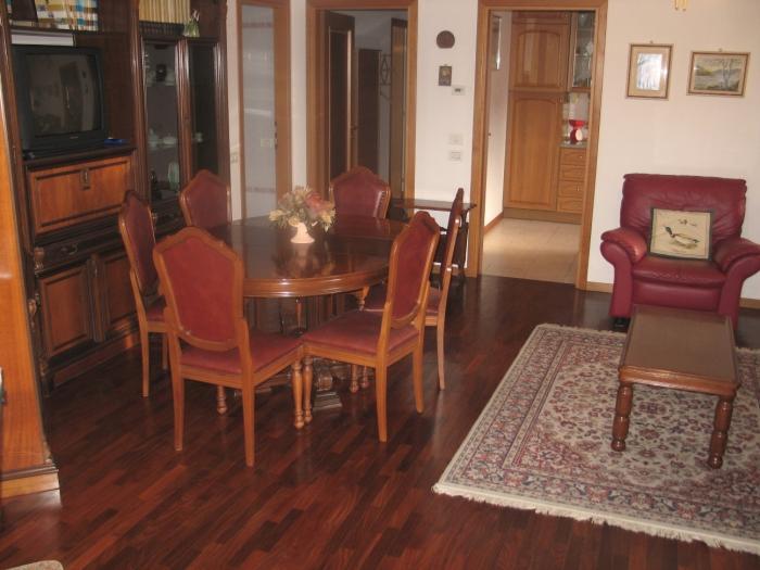 Affitto Vacanze   - Mq. 95 Bagni. Locali. - euro 267000