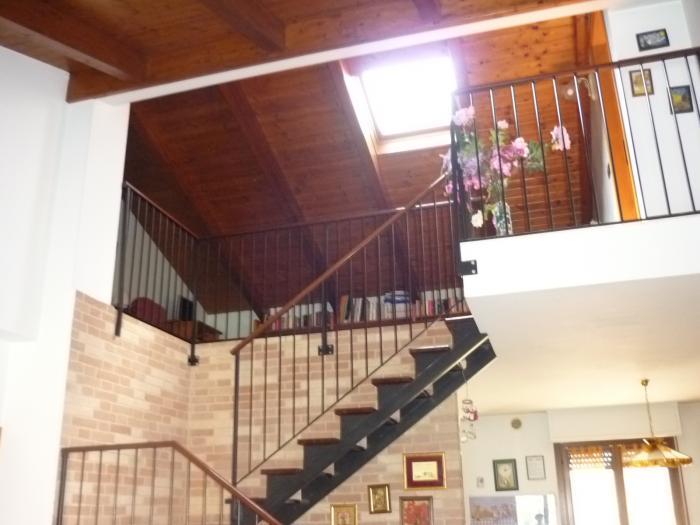 Affitto Senigallia  - Mq. 95 Bagni. Locali. - 290000
