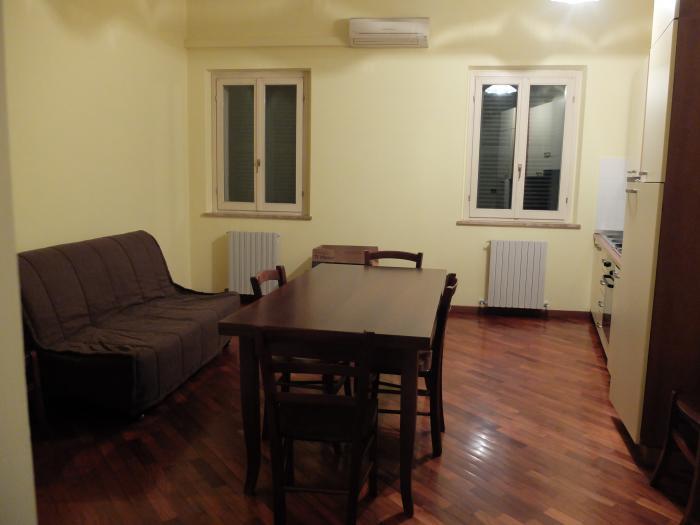 Affitto Senigallia  - Mq. 73 Bagni. Locali. - 235000