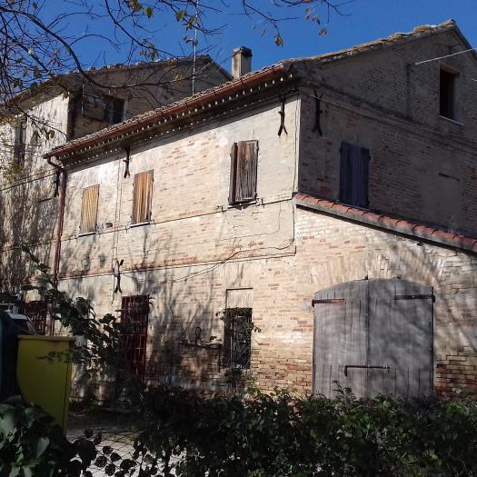Vendita Senigallia  - Mq. 253 Bagni. Locali. - 180000