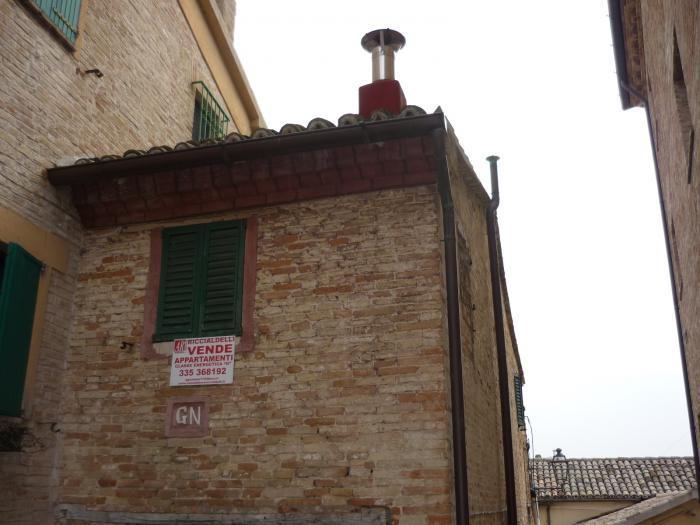 Vendita Trecastelli  - Mq. 105 Bagni. Locali. - 50000