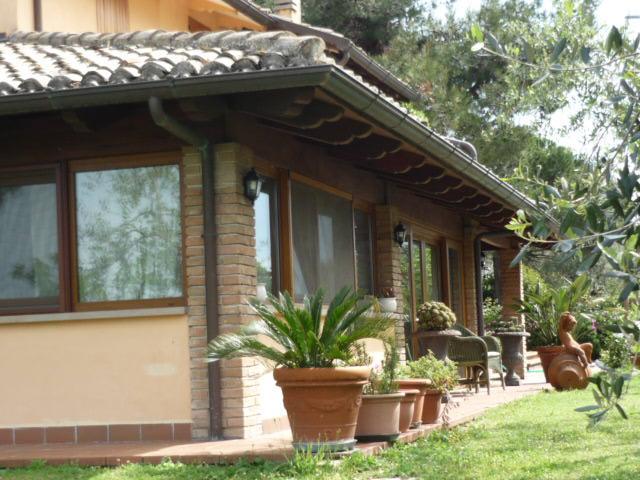 Affitto Senigallia  - Mq. 152 Bagni. Locali. - 350000