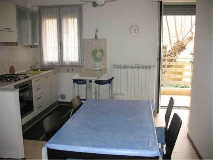 Vendita   - Mq. 78 Bagni. Locali. - euro 240000