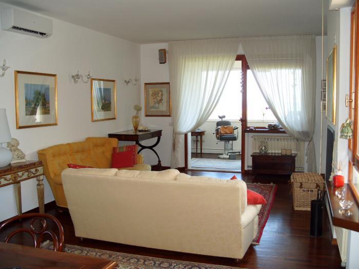 Vendita Senigallia  - Mq. 260 Bagni.2 Locali.6 - euro 399000