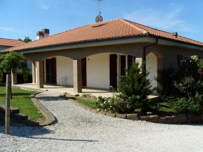 villa semi-detached house