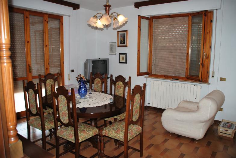 Vendita Ostra  - Mq. 125 Bagni.2 Locali.5 - euro 180000
