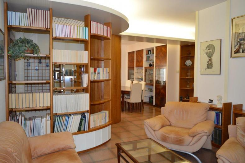Vendita Belvedere ostrense  - Mq. 126 Bagni.2 Locali.6 - euro 230000