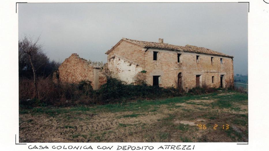 Vendita Montemarciano  - Mq. 240 Bagni.0 Locali.10 - euro 150000