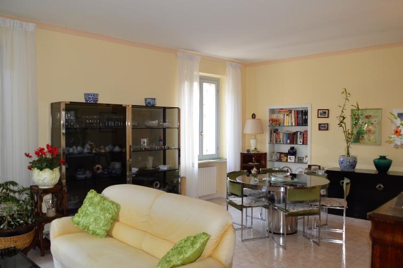 Vendita Senigallia  - Mq. 120 Bagni.2 Locali.5 - euro 290000