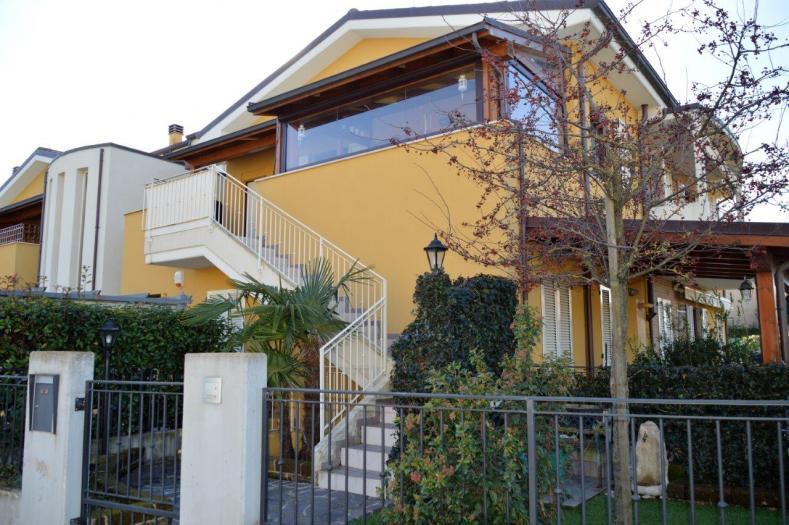Vendita Ostra  - Mq. 83 Bagni.2 Locali.3 - euro 155000