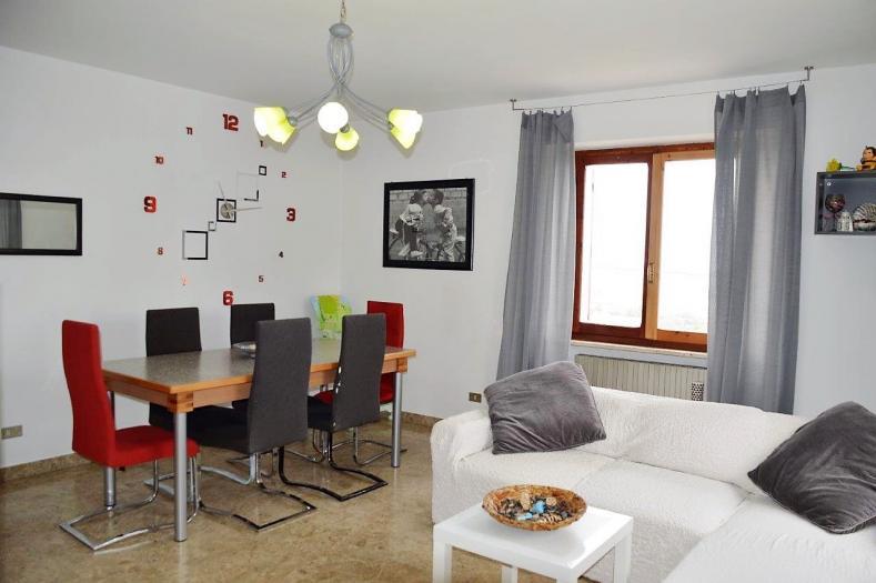Vendita Senigallia  - Mq. 250 Bagni.2 Locali.10 - euro 340000