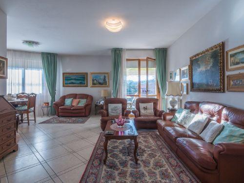 Vendita Senigallia  - Mq. 120 Bagni.2 Locali.5 - euro € 355000