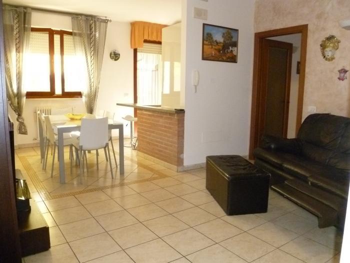 Vendita Senigallia  - Mq. 102 Bagni.2 Locali.5 - euro € 225000