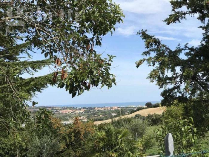 Vendita Senigallia  - Mq. 150 Bagni.2 Locali.6 - euro € 225000
