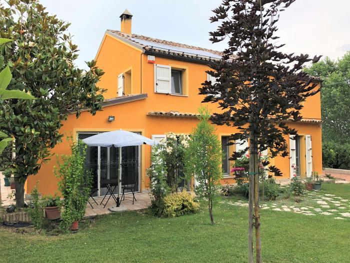 Vendita Trecastelli  - Mq. 220 Bagni.2 Locali.5 - euro 450000