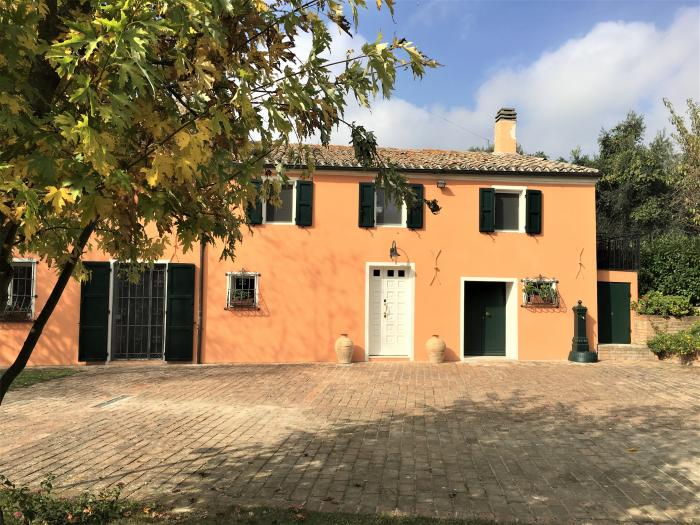 Vendita Trecastelli  - Mq. 230 Bagni.2 Locali.10 - euro 400000