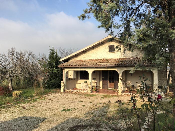 Vendita Trecastelli  - Mq. 100 Bagni.2 Locali.0 - euro 200000