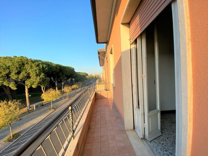 Vendita Senigallia  - Mq. 120 Bagni.2 Locali.5 - euro 220000