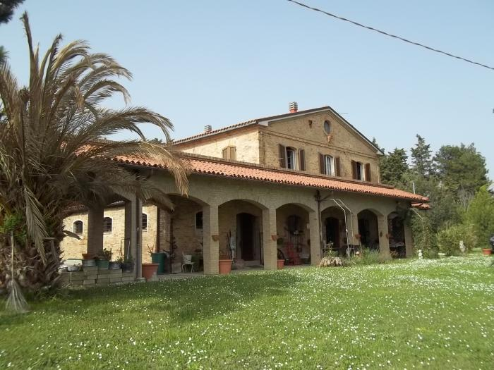 Rustico-casale in Vendita Corinaldo in provincia di Ancona