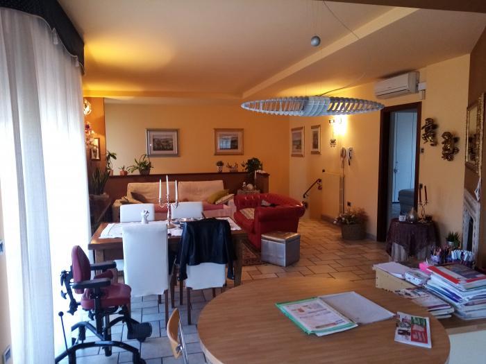 Vendita Ostra Appartamento indipendente - Mq. 110 Bagni.2 Locali.4 - euro 170000