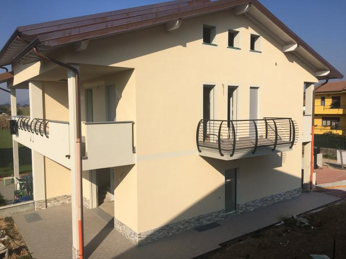 villa /abitazione bifamiliare